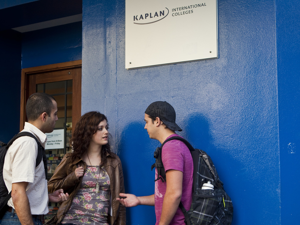 58b2d79d98__1. Kaplan photo of students at Syd entrance campus.jpg